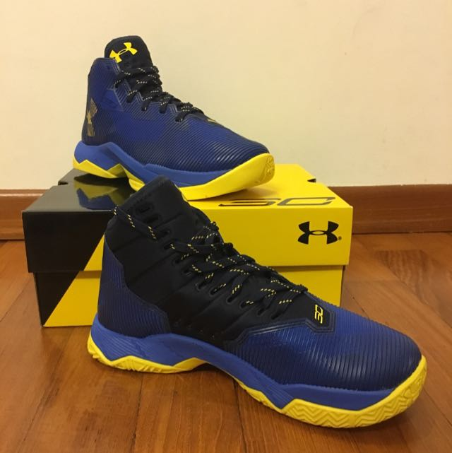 cheap for discount 4f80c 0cb51 BNIB Under Armour Curry 2.5 Basketball Shoes 5Y