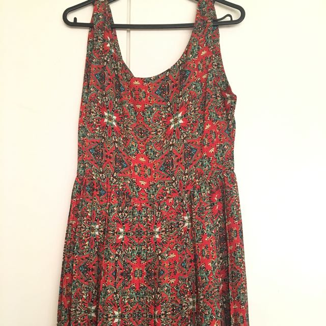 Boho Dress (sleeveless, v-back)