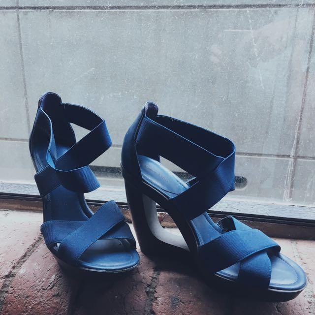 Calvin Klein 38 (7) Size Heels