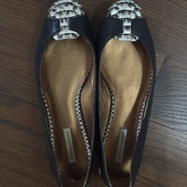 Cynthia Vincent Leather Flats