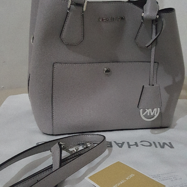 Repriced - MK Greenwich Large Saffiano Leather Grey Silver(Authentic)
