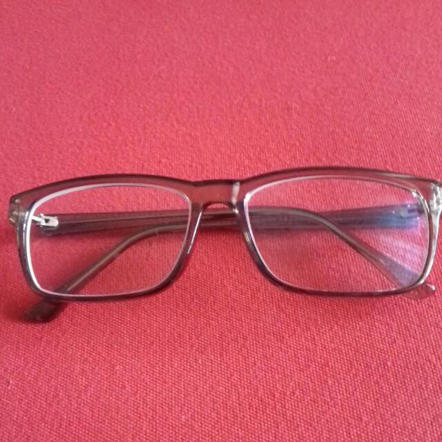 Kacamata Minus 1.25