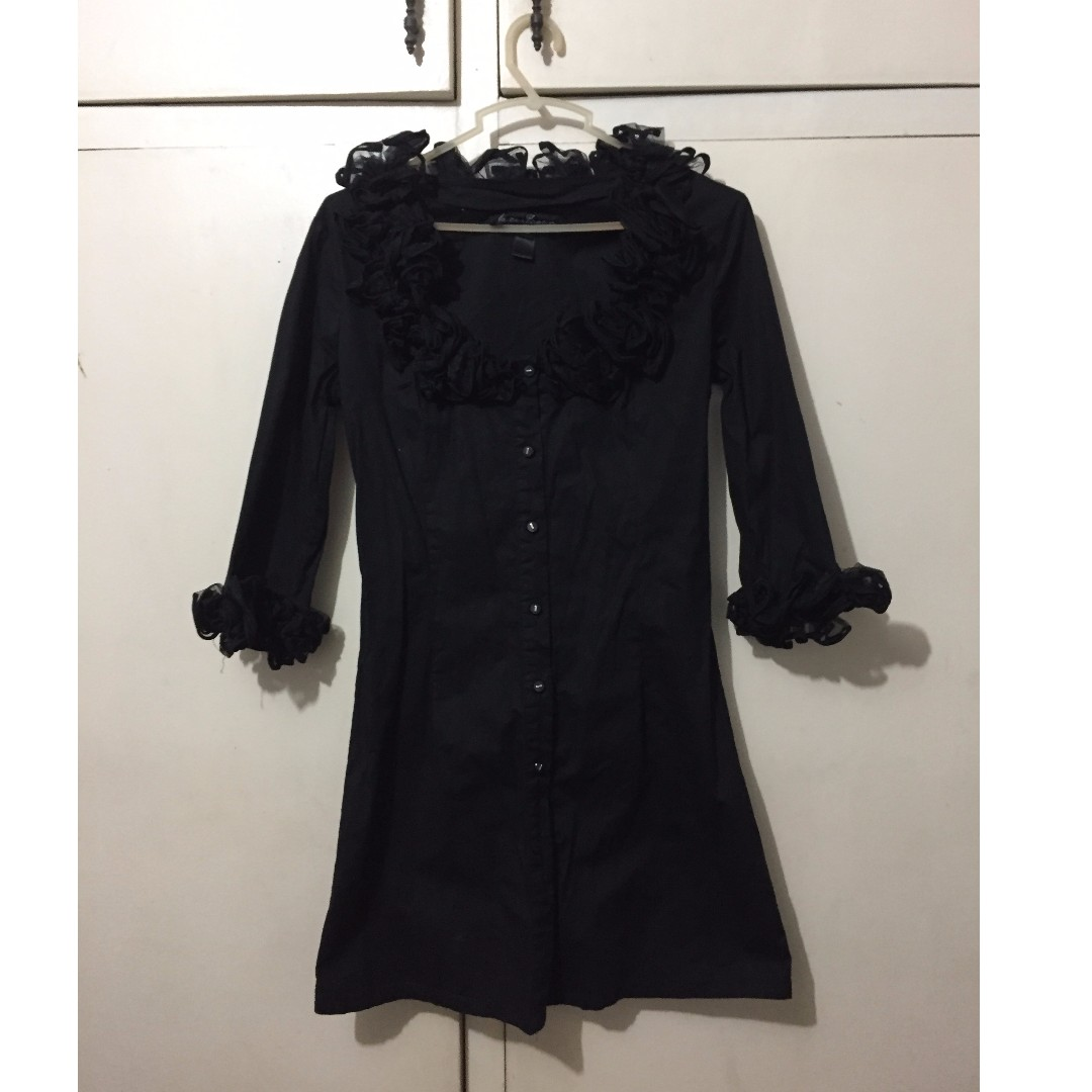 Kamiseta ruffled long black blouse