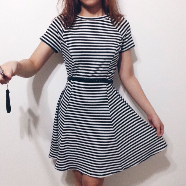 OVERRUN Knitted Stripped Dress