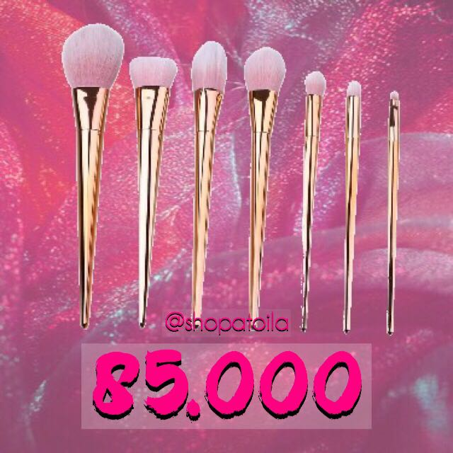 Metal Brush Makeup
