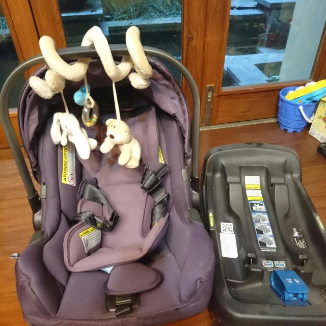 Nuna Pipa Car Seat + Base