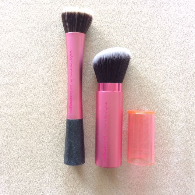 REAL TECHNIQUES Stippling Brush & Retractable Kabuki Brush