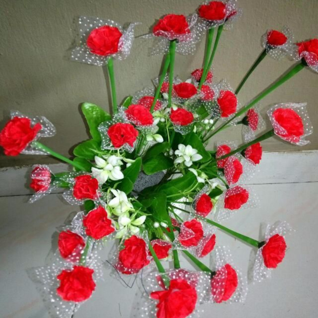 Red Carnation Flower Bouquet In a Vase, Design & Craft, Handmade ...
