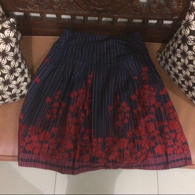 REPRICE Floral Skirt / Rok Bunga