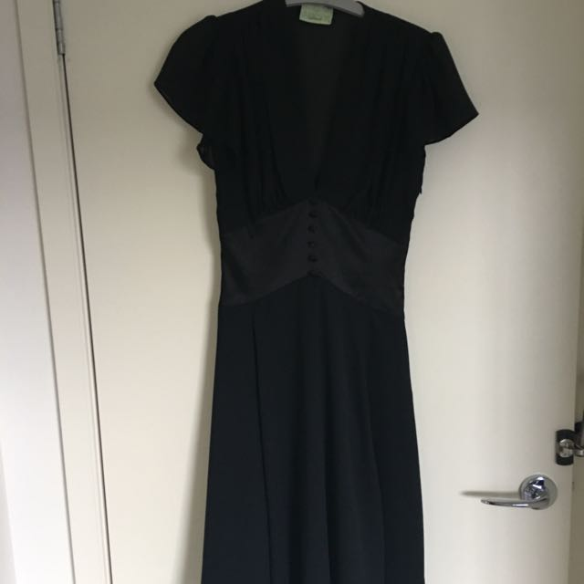 REVIEW Black Pin Up Dress Size 8