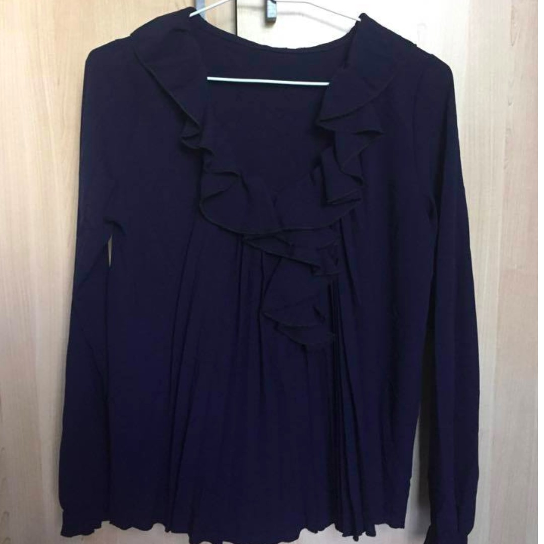 Ruffle and pleated navy blouse -No size