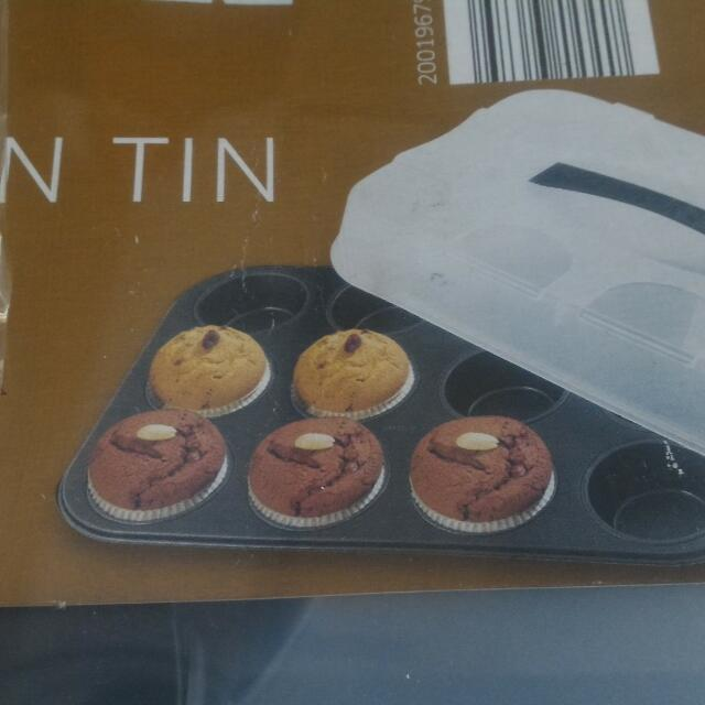SALE !  Muffin Tin With Cover