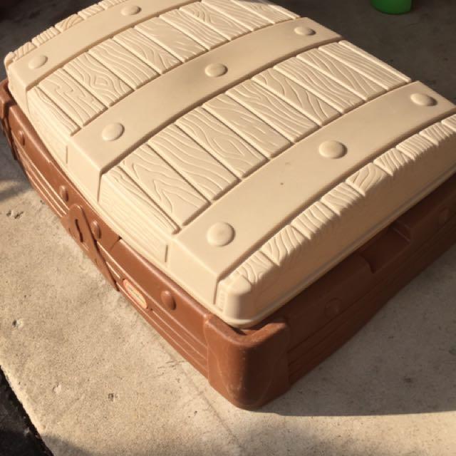 Sandbox And 6 Sand Play Bags