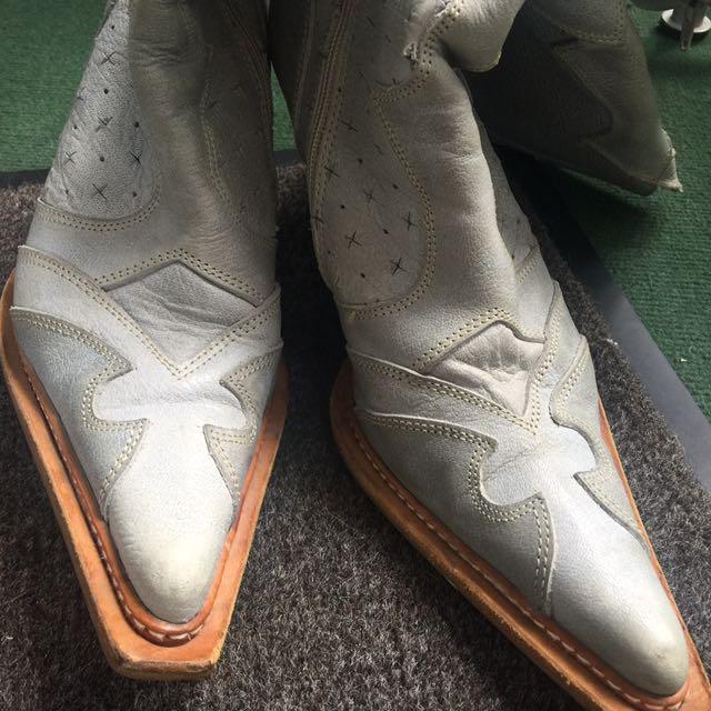 Size 10 Vintage cowboy boots, Blue