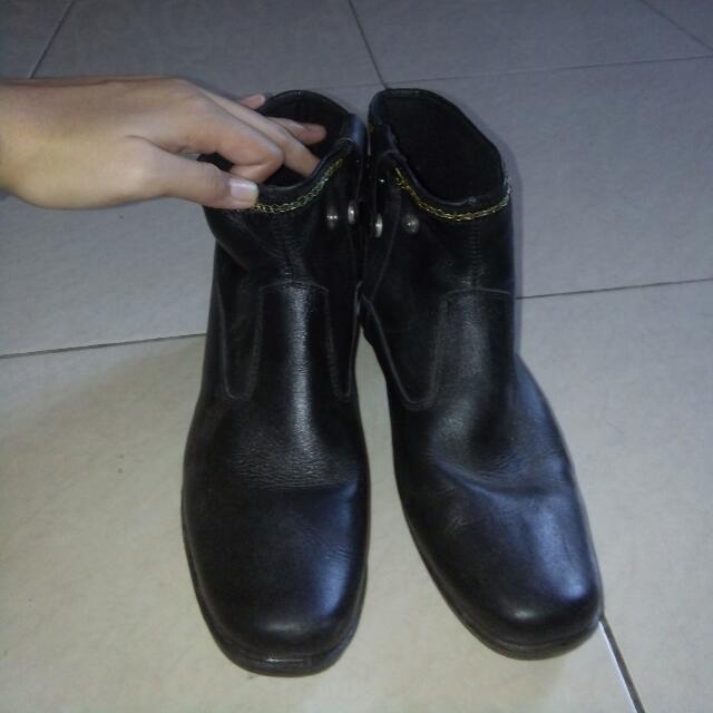Stunning Shoe Size 40