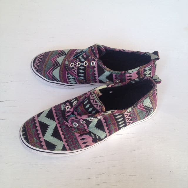 Tribal Sneaker by Divided H&M