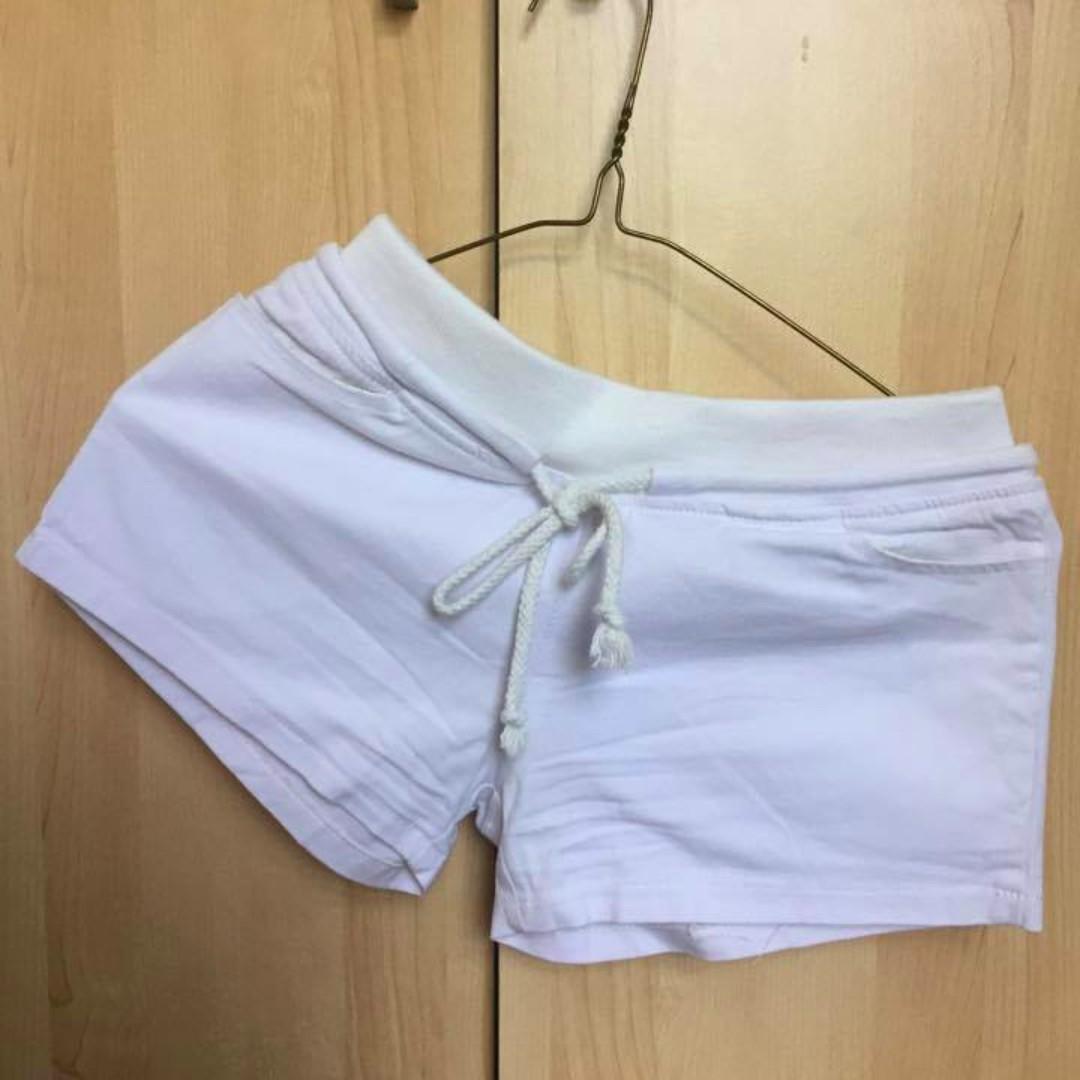 White shorts -XS