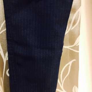 深藍直條紋貼身褲