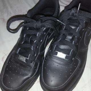 AUTH NIKE BLACK AIRFORCE