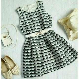 Black & White Zigzag Dress