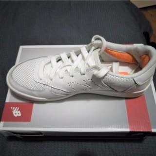 Size 6 New Balance sneakers (White)