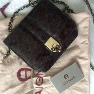 aigner small chain shoulder bag