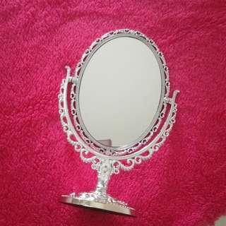 Silver Vintage Mirror (Medium)