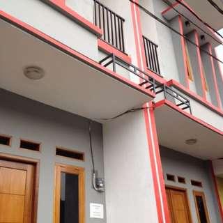 Dikontrakan Rumah Minimalis 2 Lantai (siap huni) 2 Kamar & 2 wc