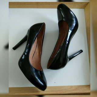 high heels hitam no 38