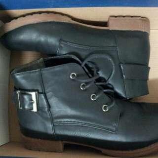 🚚 二手鞋尺寸23厘米
