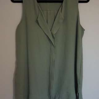 Olive Portmans Top