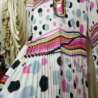 dress berplisket (rempel kecil)