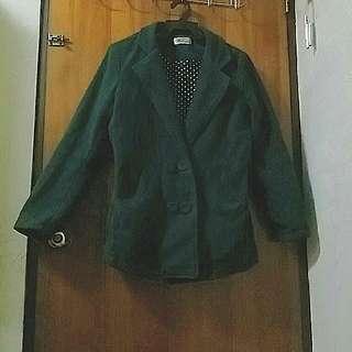 墨綠保暖特殊扣子厚外套