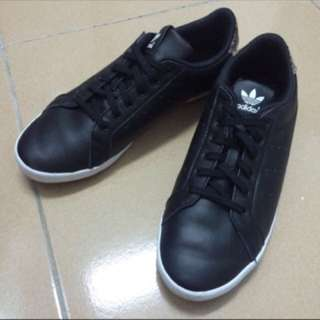 Adidas皮製布鞋(正版)23.5