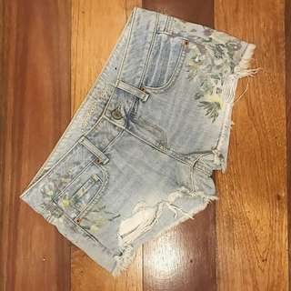 AMERICAN EAGLE Floral Denim Shorts