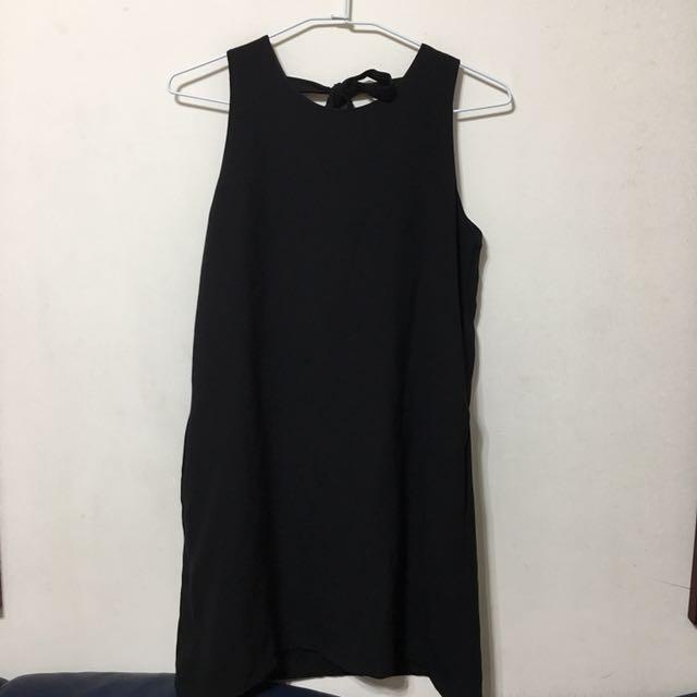 質感黑洋裝