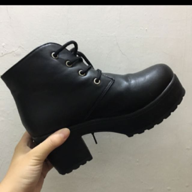 黑靴 36
