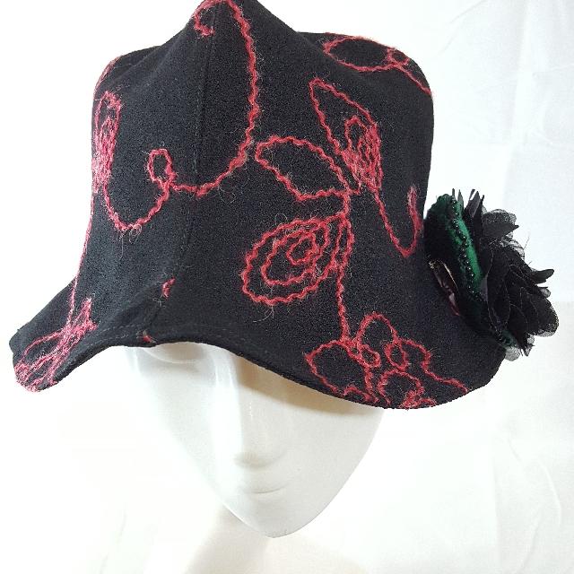 手作帽 布面紅繡花四片造型帽 帽圍57