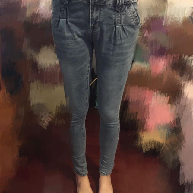 全新 淺色 牛仔窄管褲