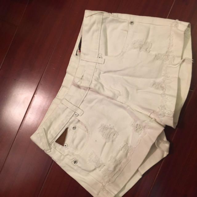全新 白色牛仔短褲 刷破