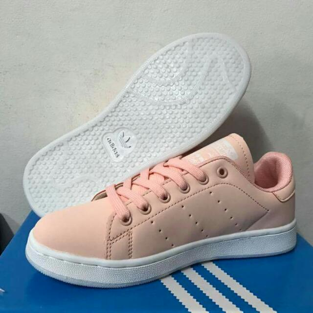 new product 5a84d 41293 Adidas stan Smith pink salmon on Carousell