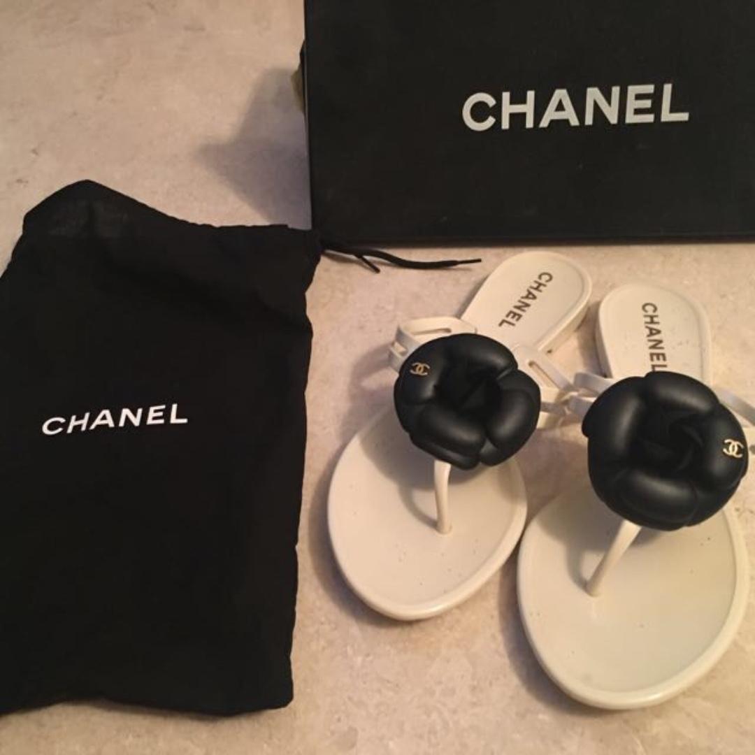 e58de4327d32 authentic Preloved Chanel sandal size 37