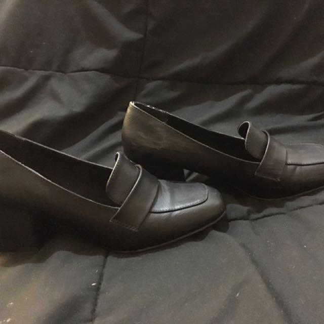 Black Court Type Short Heels