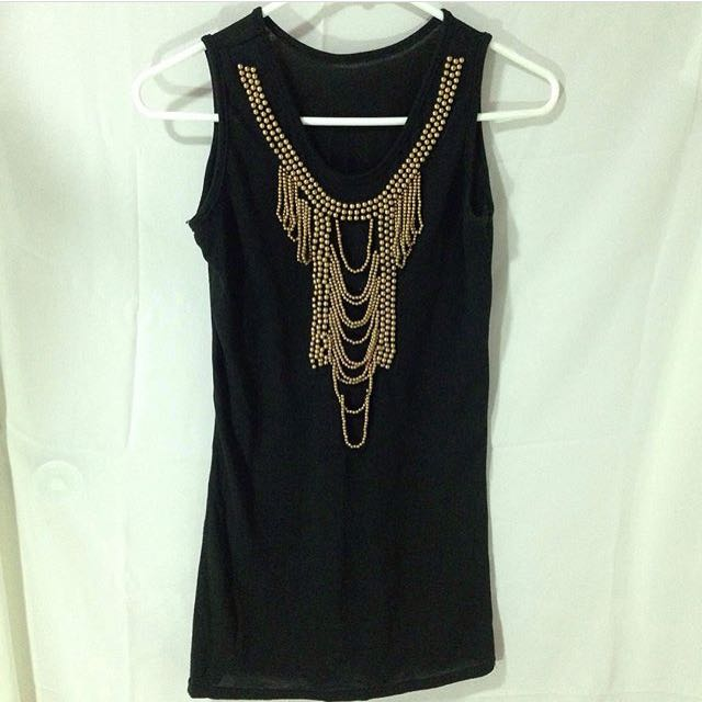 Black Dress With Embedded Accessory