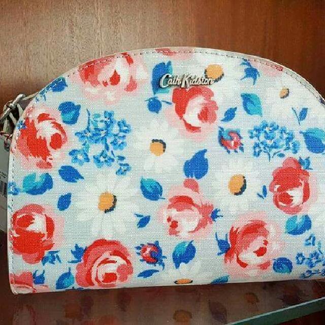 Cath Kidston Halfmoon Daisies And Roses Sling Bag