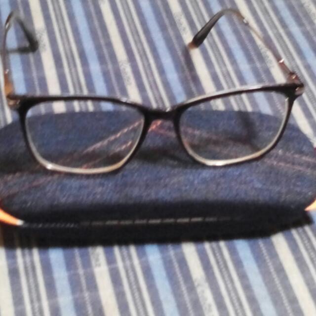 clear eyeglass