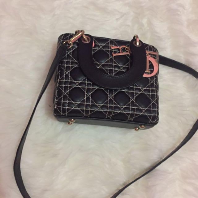 Dior Mini Syahrini