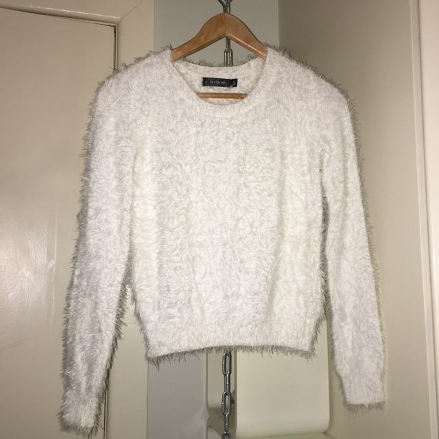Fluffy White Jumper Size XS