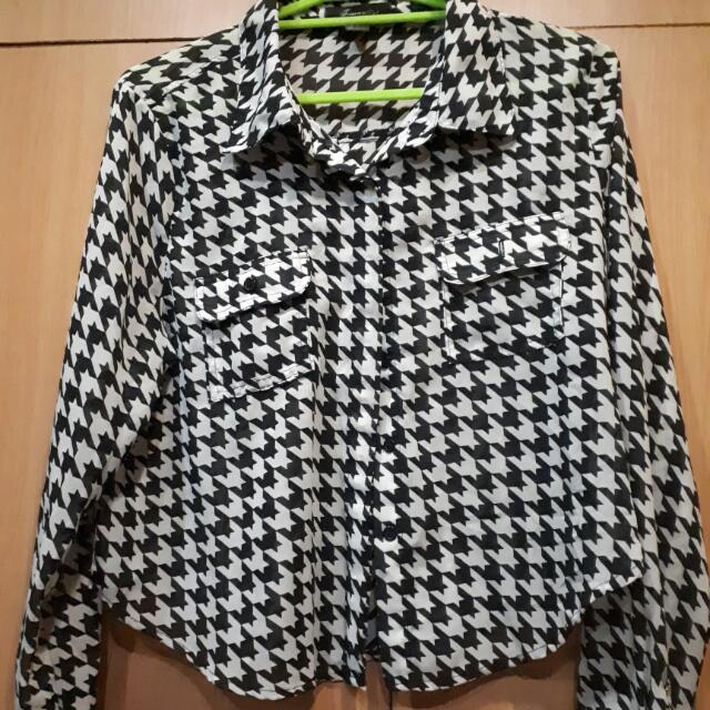 Forever 21 Houndstooth Blouse