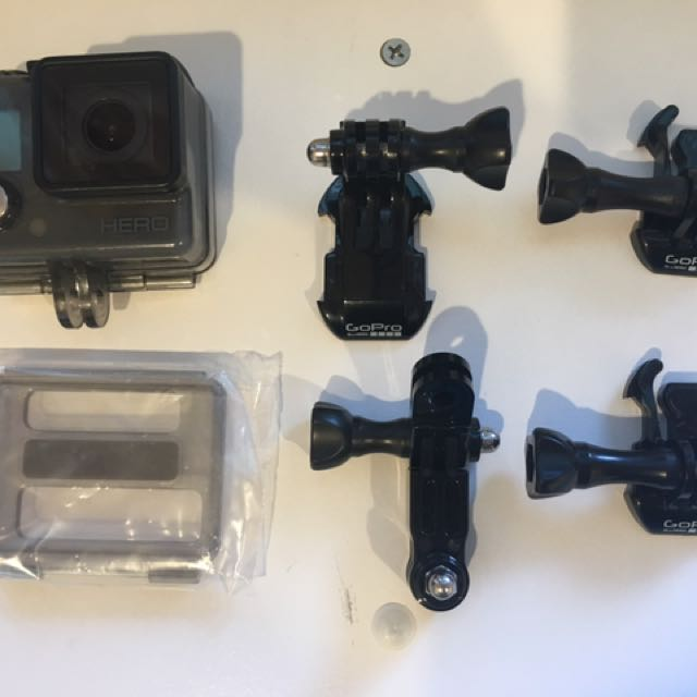GoPro Hero Original (Great Condition and Comes with Accessories!)